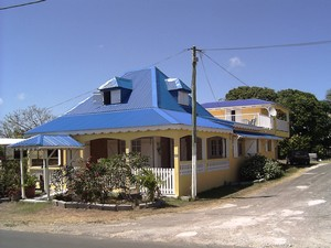 Architecture de guadeloupe terres de guadeloupe for Plan maison creole traditionnelle
