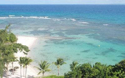 Studio vue à 180° sur l'océan et les îles voisines
